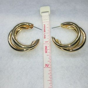 Jewelry - 🎉HP🎊🎀Stainless Steal Double Hoop Earings